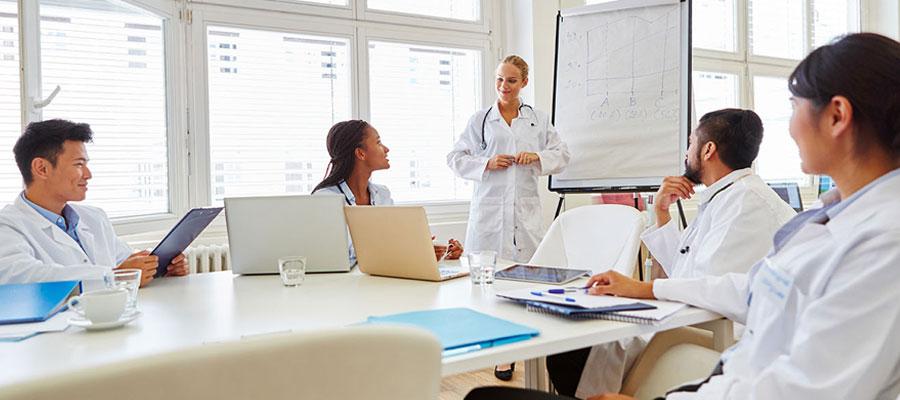 Lorsqu'on parle d'études médicales, on pense souvent à l'université. Pourtant, il existe des alternatives privées comme l'ESEM. Mais que vaut-elle réellement ?